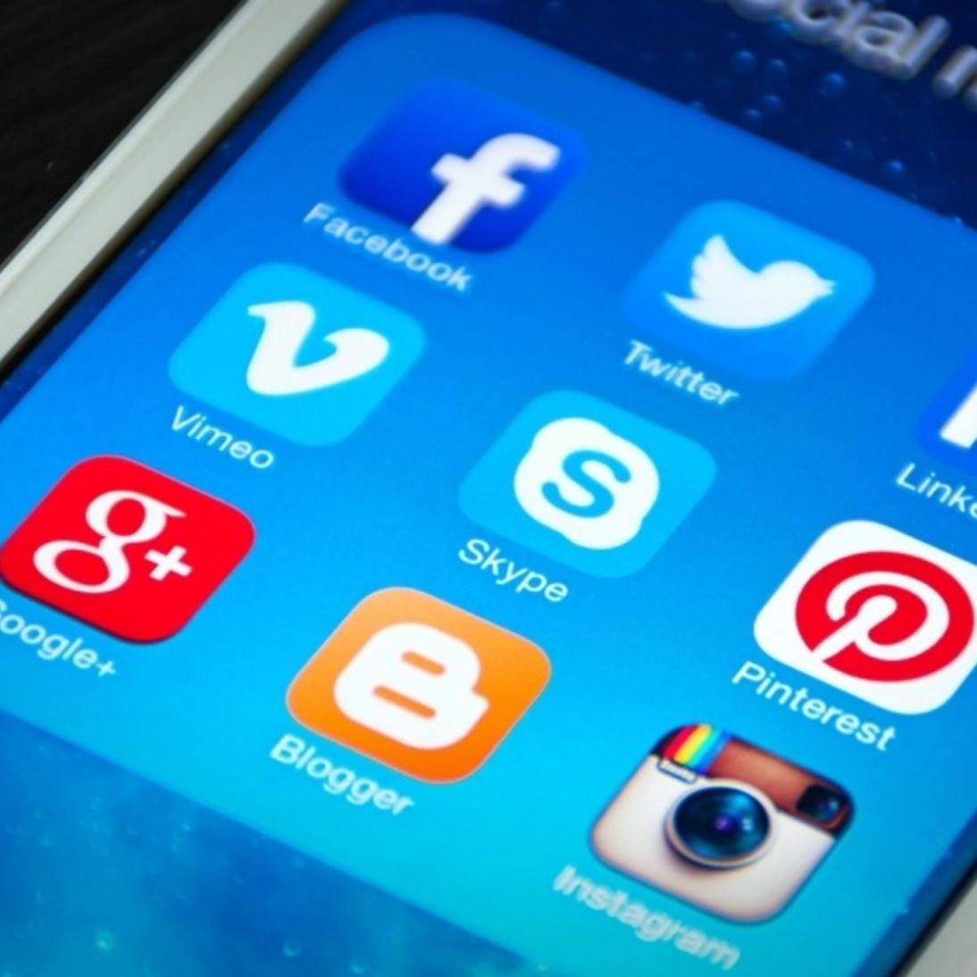 26 Social Media Etiquette Tips for Business Owners