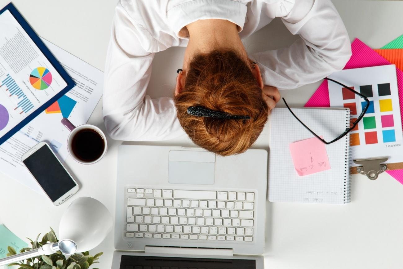 20150710182629-sleep-tired-employees-desk-workspace.jpeg